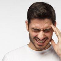 penyebab migrain dan cara mengobatinya